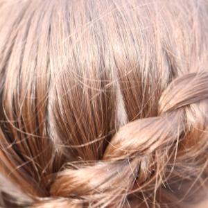Hair braids and messy buns | Vacation hair | Holiday Hair
